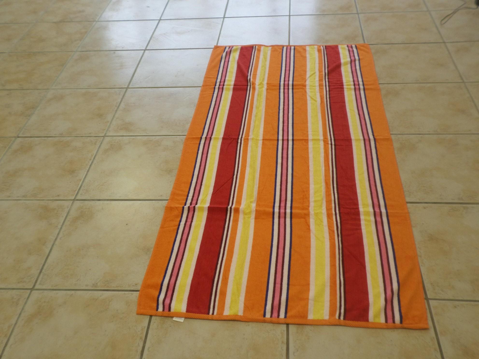 K Stripe Beach Towel - 090 x 180 cm